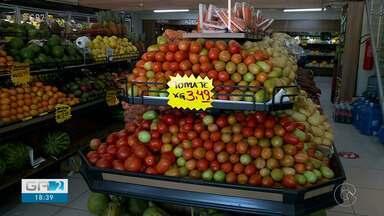 Pimentão e tomate ficam mais baratos nos hortifrútis de Petrolina - Dois produtos muito importantes que estão mais baratos.