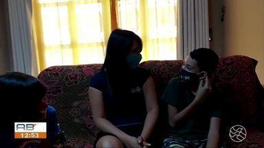 Psicóloga dá dicas para que crianças compreendam a importância do uso da máscara - Objeto de proteção individual diminui riscos de contágio da Covid-19.
