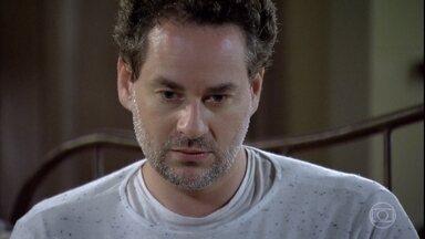 Paulo se desespera - Ele encontra bilhete da ex avisando que deixou Victoria sob seus cuidados