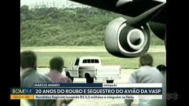 20 anos do roubo e sequestro do avisão da Vastp no Paraná - Bandidos fugiram levando R$ 5,5 milhões e ninguém se feriu.