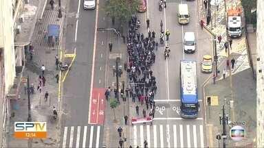 Protesto de funcionários da Covisa no centro de SP - Eles são contra a remoção de 297 trabalhadores