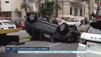 Motorista perde o controle da direção e capota carro no Gonzaga, em Santos - Acidente deixou uma pessoa ferida na tarde desta segunda-feira (17).