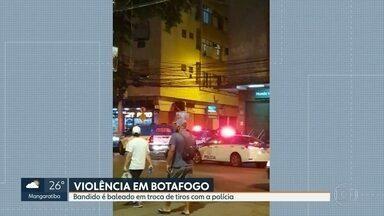 Bandido é baleado em troca de tiros com a polícia em Botafogo - Criminosos assaltaram unidade das Lojas Americanas, na rua Voluntários da Pátria e foram surpreendidos por policiais na região
