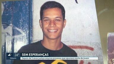 Justiça arquiva processo que apurava morte de jovem depois de 5 anos do crime - Foram cinco anos em busca de Justiça. O que a mãe do Rafael Camilo Neris queria era provar que o filho foi morte de forma brutal e sem motivos por agentes do Estado.