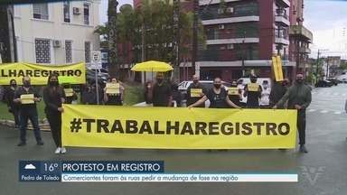 Comerciantes vão às ruas pedir mudança de fase no Vale do Ribeira - Região não pode abrir comércios por estar na fase vermelha do Plano São Paulo de contenção do coronavírus.