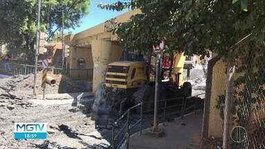 Viaduto Roxo Verde, em Montes Claros, é interditada para obras - Interdição deve durar 30 dias, segundo a prefeitura.