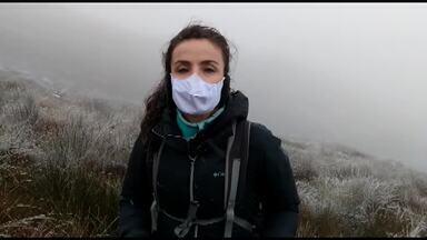 Michelly Correa vai em busca da neve no Paraná - Ela encontrou o morro do Araçatuba branquinho.