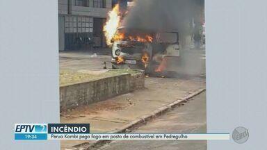 Kombi pega fogo após motorista dar partida em Pedregulho, SP - Apesar do susto, ninguém ficou ferido.