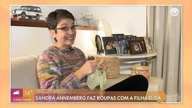 Sandra Annenberg mostra habilidades com o tricô - Tati Machado mostra o que as celebridades andam postando nas redes sociais. Vestidos que imitam camisola viram tendência entre as famosas. Veja o que os astros prometem para o mês de setembro