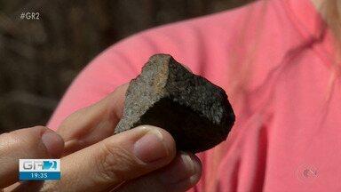 Moradores de Santa Filomena procuram meteoritos que caíram no município em agosto - As pedras valem um bom dinheiro