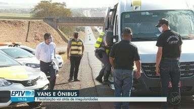 Polícia Rodoviária e Artesp fiscalizam vans e ônibus entre Ribeirão e Serrana - Blitz foi na Rodovia Abrão Assed nesta terça-feira (1).