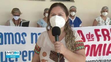 Enfermeiros e médicos do Hospital Universitário fazem protesto em Montes Claros - Manifestantes pedem que Governo de MG volte a pagar o vale-refeição, suspendo desde 2017.