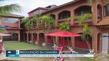 Donos de hotéis em Cananeia querem mudar de fase para receber turistas - Vale do Ribeira ainda está na fase laranja e hotéis não podem funcionar.