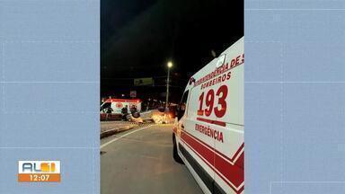 Jovem de 19 anos morre em acidente na madrugada de sábado - Acidente foi registrado na rotatória do Benedito Bentes, em Maceió.