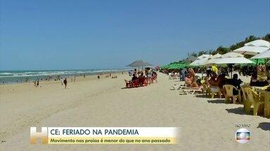 Movimento nas praias do Ceará é menor do que no ano passado - Segundo a associação do setor, são esperadas 200 mil pessoas entre hoje e segunda-feira (7).