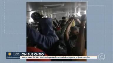Passageiro registra ônibus lotado na Região Metropolitana - Vídeo foi feito na manhã deste sábado (5). Linha 5130 liga São José da Lapa à Estação Vilarinho.