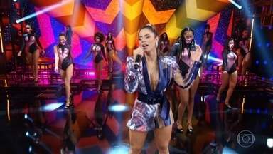 Lexa canta 'Sapequinha' - A cantora anima o Domingão com o sucesso