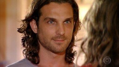 Ester acredita nas boas intenções de Alberto para encontrar Cassiano - Alberto avisa que vai providenciar tudo para a viagem dos dois ao Caribe
