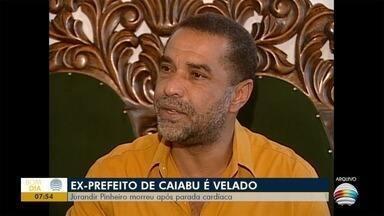 Corpo de ex-prefeito de Caiabu é sepultado nesta quarta-feira - Jurandir Pinheiro morreu após parada cardíaca.