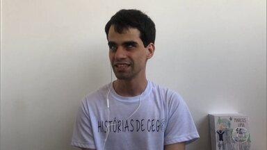 O 'Conversa com Bial' lança a campanha 'Pergunte ao Cego' - Pedro Bial aproveita o papo com Mizael Conrado e Marcos Lima para desmistificar a deficiência visual e tirar dúvidas sobre como os cegos experienciam o mundo