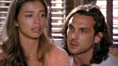Ester reconhece os pertences de Cassiano - Ela lembra de vários momentos ao lado do piloto e se recusa a pegar o atestado de óbito do noivo. Alberto paga o comparsa e finge apoiar a amada