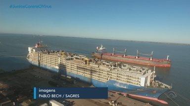 Começa o maior embarque de gado vivo da história do porto de Rio Grande - Mais de 26 mil animais vão ser transportados em um único navio.