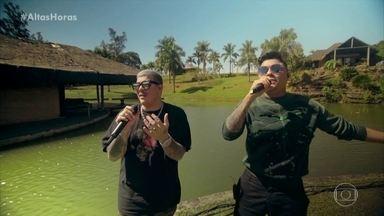 Felipe Araújo e Ferrugem cantam 'Atrasadinha' - Cantores fazem versão exclusiva para o Altas Horas