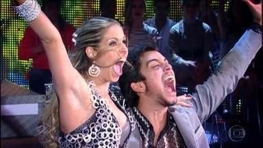 Confira um vídeo especial com a história da Dança dos Famosos' - São 17 anos de muito sucesso