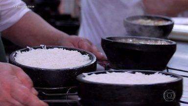 Alta do arroz: entenda por que o alimento ficou tão caro - Quem foi ao supermercado nos últimos dias tomou um susto ao passar pela prateleira do arroz. Fantástico explica o que está acontecendo nessa cadeia produtiva - desde o plantio até as gôndolas.