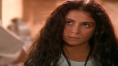 Capítulo de 04/10/2001 - Diogo confessa ter transado com Yvete e Leônidas corta relações com o filho. Lucas e Jade quase se beijam. Jade diz ao tio que não vai se casar com um homem que não conhece.