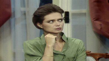 Capítulo de 27/04/1987 - Rafaela identifica pertences de Herbert no IML e todos acreditam no suicídio. Rosemere fala com Mercedes sobre envelope deixado por Mário no banco. Luiz quer ajudar Ana Cláudia.