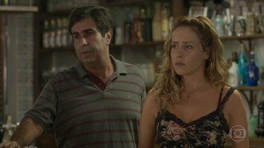 Gilda desconfia de Riscado - Ela conta a Hugo que o dinheiro do caixa sumiu