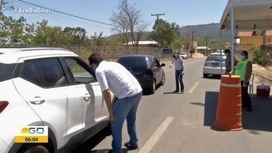 Após medidas, Pirenópolis só recebe turistas com reservas marcadas - Barreiras sanitárias foram montadas na entrada da cidade.