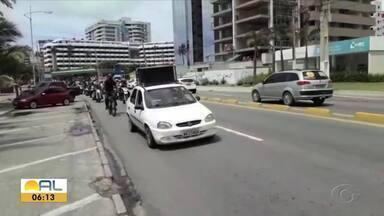 Em Alagoas, campanha é lançada para conscientizar sobre riscos do uso do cerol em pipas - Motociclistas e ciclistas estão liderando ação educativa.