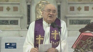 Padre Nelson Caleffi, que lutava contra um câncer e a Covid-19, morre aos 84 anos - Ele atuava na Paróquia Imaculado Coração de Maria, em Santos.