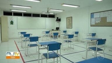 Tribunal de Justiça derruba liminar e escolas particulares podem reabrir na capital - Depois de muita polêmica, as escolas particulares podem reabrir a partir desta quinta-feira (1) na cidade do Rio de Janeiro.