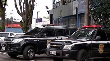 Justiça determina afastamento do vice-prefeito de Arujá - O vice-prefeito é alvo de uma investigação da polícia que aponta o envolvimento dele com o crime organizado.