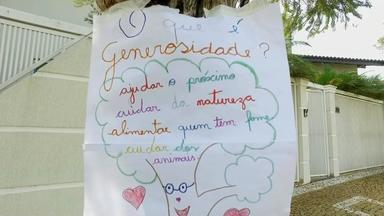 Alunos de escola de Jales espalham cartazes sobre a generosidade na cidade - Alunos de uma escola de Jales espalharam pela cidade cartazes para lembrar as pessoas sobre uma ação muito importante: a generosidade.