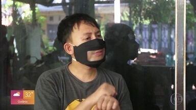 Benedita fala sobre importância das máscaras com visor para compreensão dos surdos - Filha de Regina Casé diz que deficientes visuais precisam fazer a leitura labial para a comunicação