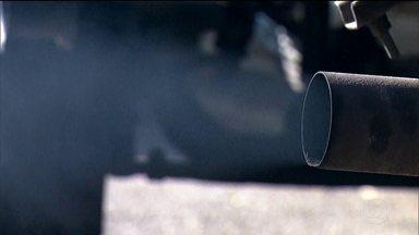 Anfavea pede adiamento de programa de redução de emissão de poluentes de veículos pesados - O Ministério Público Federal recomendou ao Conselho Nacional do Meio Ambiente que rejeite o pedido de prorrogação. O prazo para que montadoras fabriquem caminhões e ônibus menos poluentes termina em 2022.