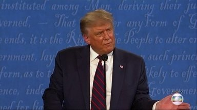 Mesmo com Covid, Trump diz que participará do debate na semana que vem - Donald Trump precisa ficar em isolamento por mais dez dias, mas diz que vai participar do debate com Joe Biden na semana que vem. Para isso, a comissão organizadora está em contato com as campanhas dos candidatos para chegar a um acordo.
