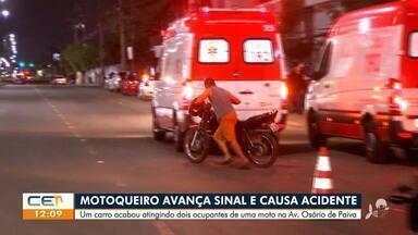 Motoqueiro avança sinal e causa acidente - Saiba mais no g1.com.br/ce