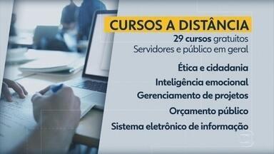 Secretaria de Administração oferece cursos a distância para servidores e público em geral - Há 2,7 mil vagas em diferentes áreas.