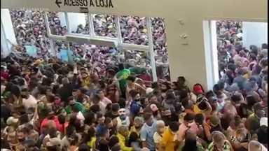 Polícia do Pará fecha unidade da rede Havan, em Belém, após tumulto na inauguração - Imagens de redes sociais mostram centenas de pessoas espremidas na abertura da loja, muitas sem máscara. Pelas regras do estado, lojas de departamentos só podem receber 75% da capacidade.