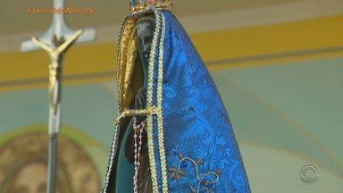 Jornal do almoço explica adoração a Nossa Senhora Aparecida - Respeitando o distanciamento social, milhares de fiéis homenagearam a santa nesta segunda (12).