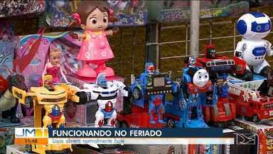 Lojas abrem normalmente no Dia das Crianças em São Luís - Um acordo com a Federação do Comércio permite que as lojas de rua e shoppings funcionem, mesmo com o feriado nacional do Dia de Nossa Senhora Aparecida.