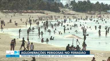 Aglomerações são registradas durante o feriado prolongado em São Luís - Medidas sanitárias contra a Covid-19 estão sendo esquecidas e as praias e os bares estão cada vez mais lotados.