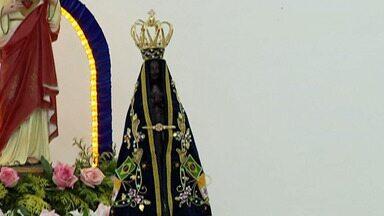 Alto Tietê tem celebrações para Nossa Senhora Aparecida - Mas, por causa da pandemia, os fiéis foram para as igrejas atentos aos protocolos de segurança.