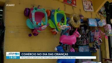 Comércio tem movimento intenso para Dia das Crianças - Brinquedos e vestuário são itens preferidos entre presentes da data