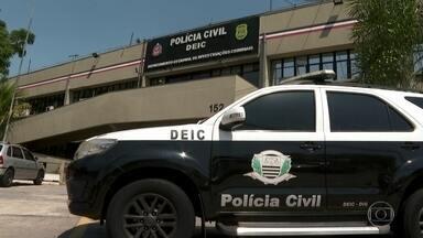 PF pede a inclusão de André do Rap na lista dos mais procurados da Interpol - André do Rap, um dos chefes da facção que comanda crimes mesmo de dentro da cadeia, foi solto no sábado (10) depois de conseguir um habeas corpus do ministro Marco Aurélio, do STF.
